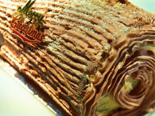 Christmas Yule Log Cake.Chocolate Yule Log Cake Recipe