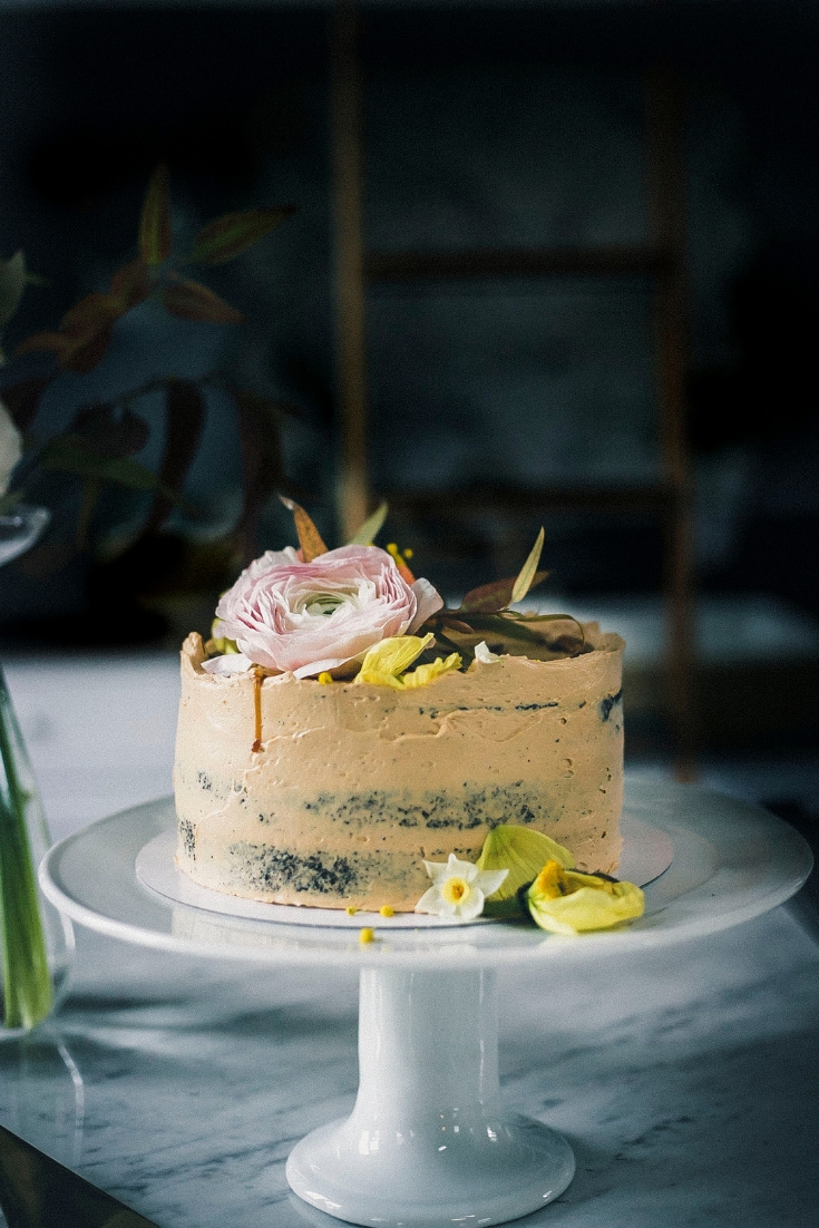 12 Tips for making a perfect naked wedding Cake