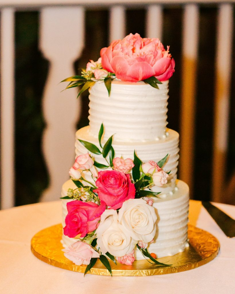 Buttercream wedding cake ideas to try - How to make a Buttercream Wedding Cake