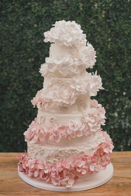 Petal Ruffles on Cake Tutorial