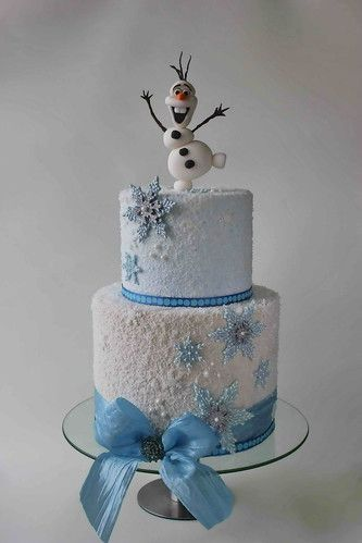 2 tier sugar snowflakes and snowman