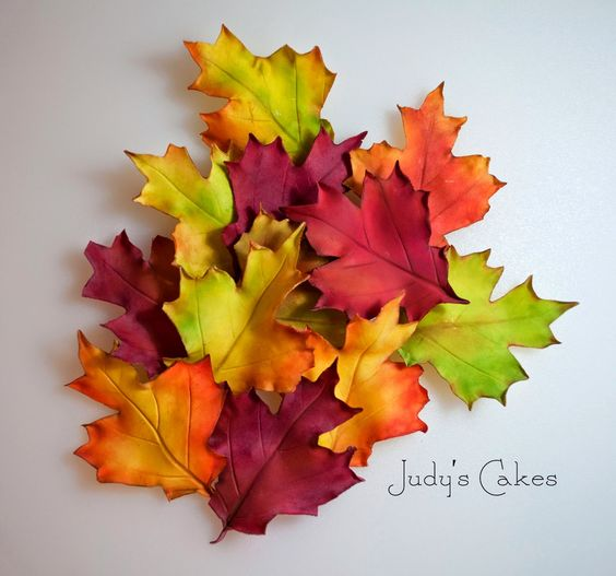 Gumpaste leaves for cake decorating