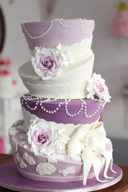 Topsy Turvy Cakes are cakes that are uneven with sloppy layers. Here are a few topsy turvy cake tutorials for some fun cake decorating moves