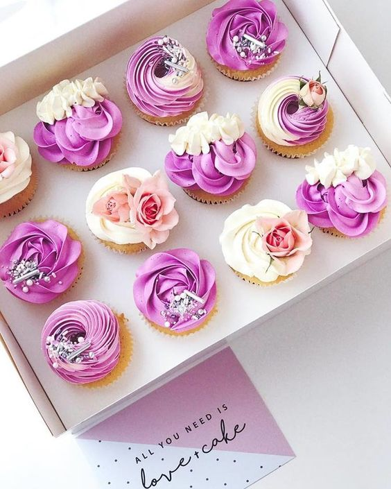 Buttercream cupcakes made using purple and white color