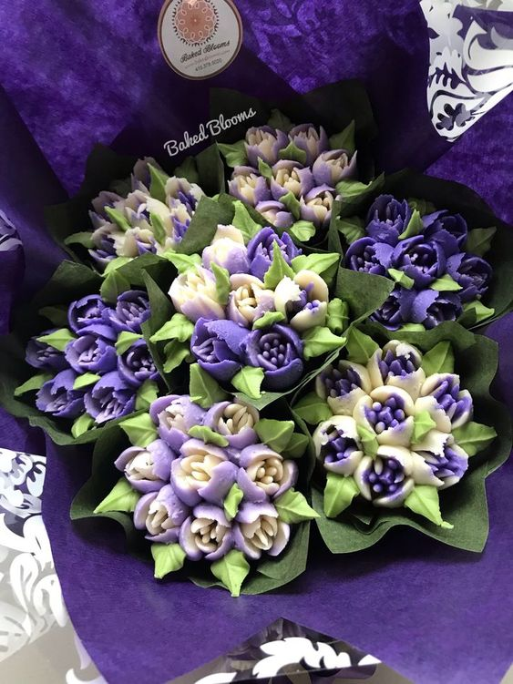 pretty purple and white themed cupcake bouquet