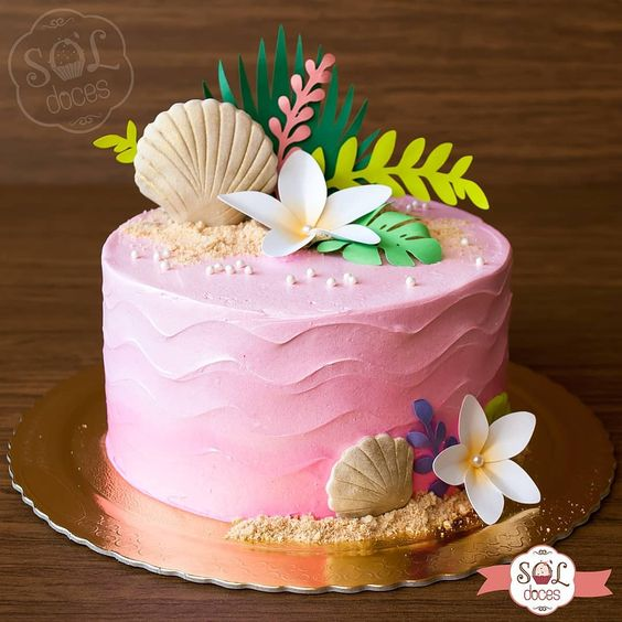 A simple and elegant pink Hawaii cake