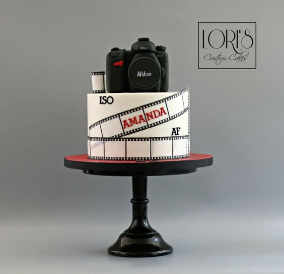 A simple movie them cake for photograohy lovers