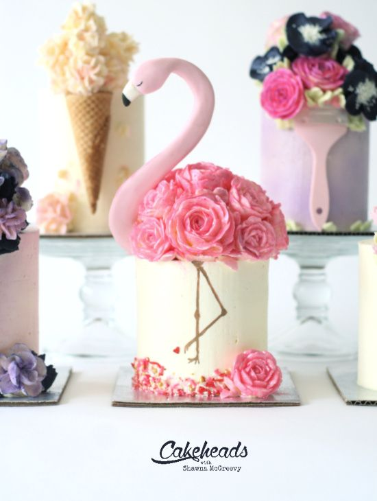 Easy buttercream flamingo cake made with buttercream flowers