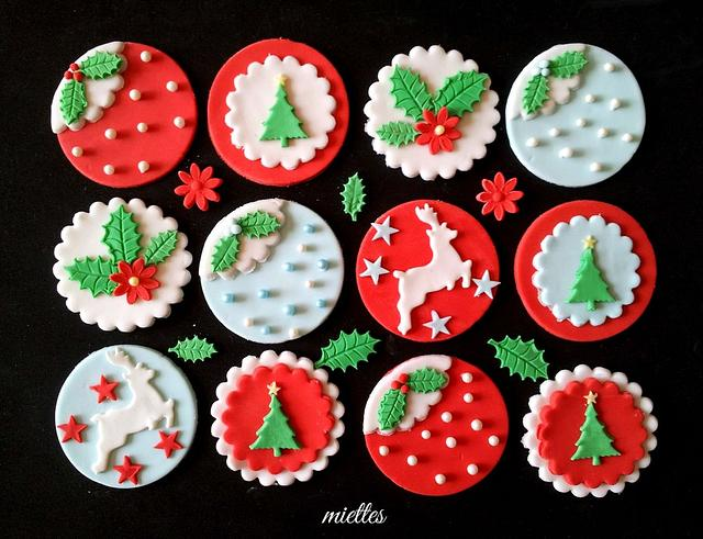 Christmas Cupcake Decorating Tutorials - red and white simple fondant toppers for cupcakes