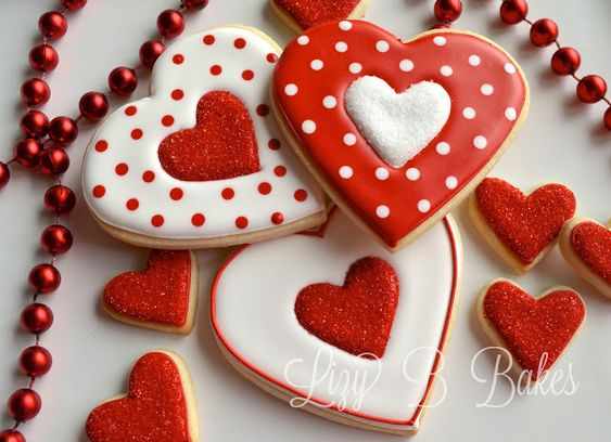 red and white polka dot cookies - Valentines Day Cookies Tutorials