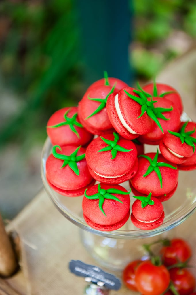 red macarons that look like tomatoes - Creative Macaron Tutorials