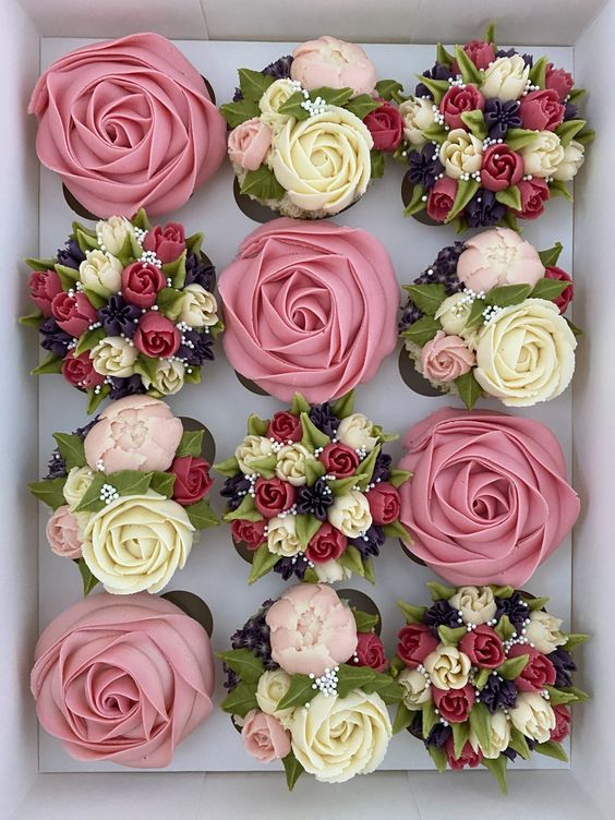 pink buttercream rosette and russian nozzle flowers