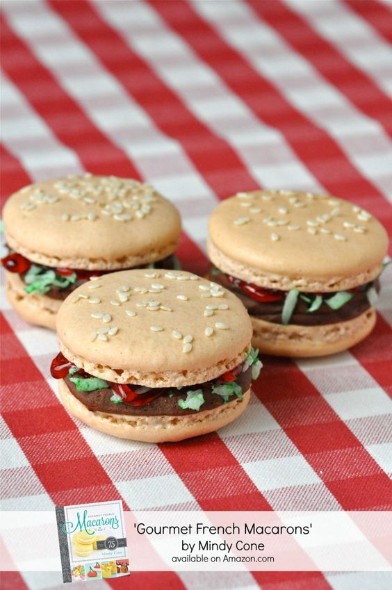 burger shaped french cookies