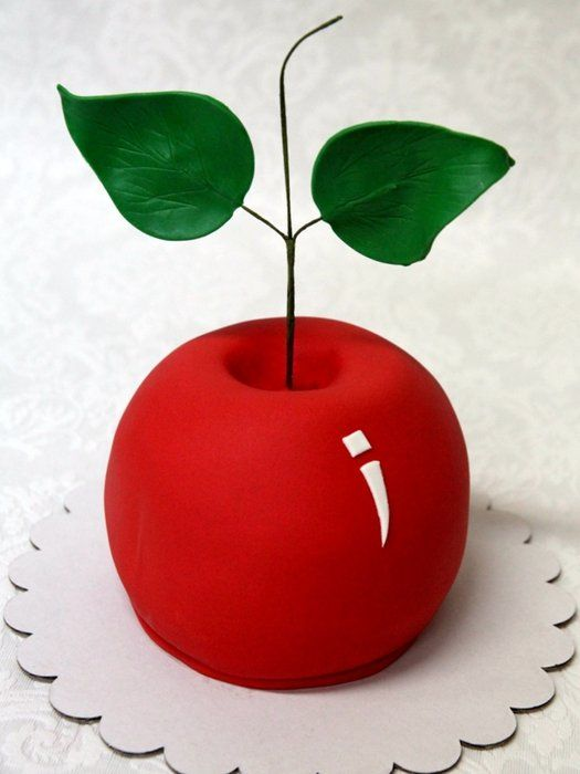 a realistic fondant carved cake - apple - Fruit Carving Cake Tutorials