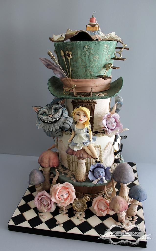A three tier realistic looking Alice in Wonderland Cake Tutorials