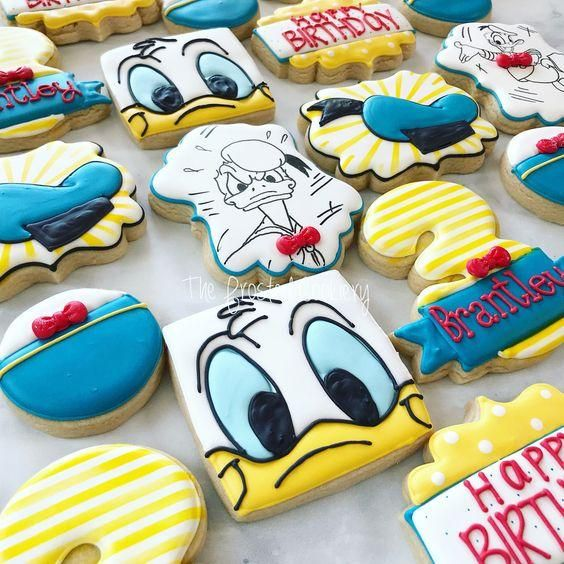 donald the duck royal icing cookies
