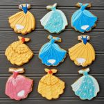 disney princess theme cookies that are iced with royal icing - Disney Theme Cookie Tutorials