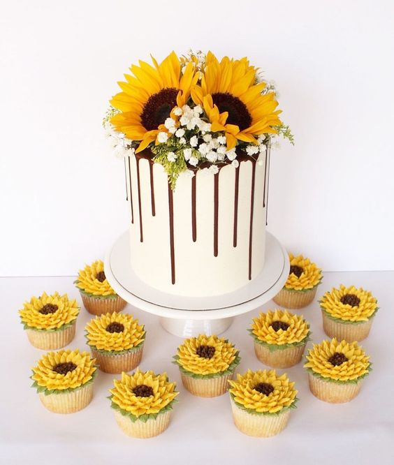 Sunflower Cake Tutorials- cake and cupcakes topped with flowers