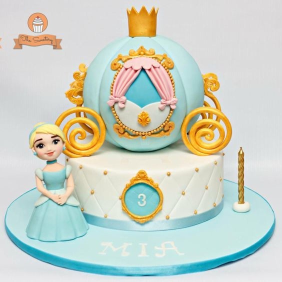 blue and white disney theme cakes with fondant figurines